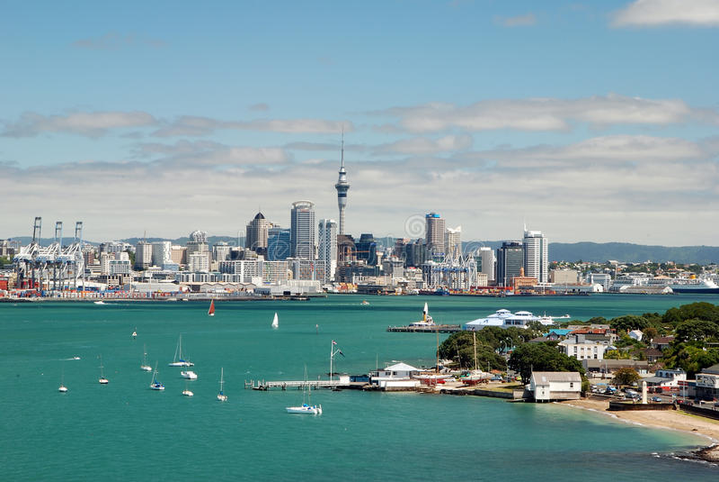 Горизонт Окленда. Новая Зеландия стоковые фотографии rf
