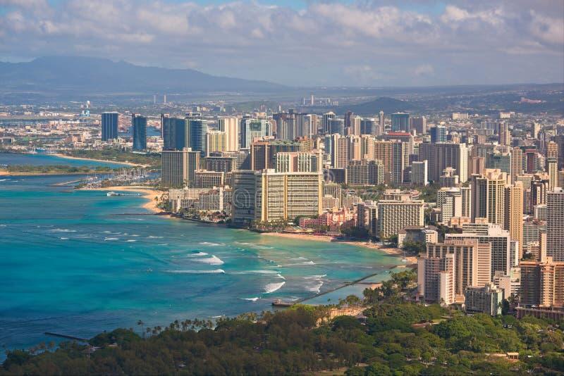 Горизонт пляжа и Гонолулу Waikiki стоковое фото rf