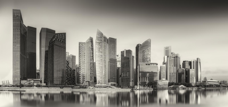Горизонт Сингапура и залив Марины, черно-белый стоковое фото rf