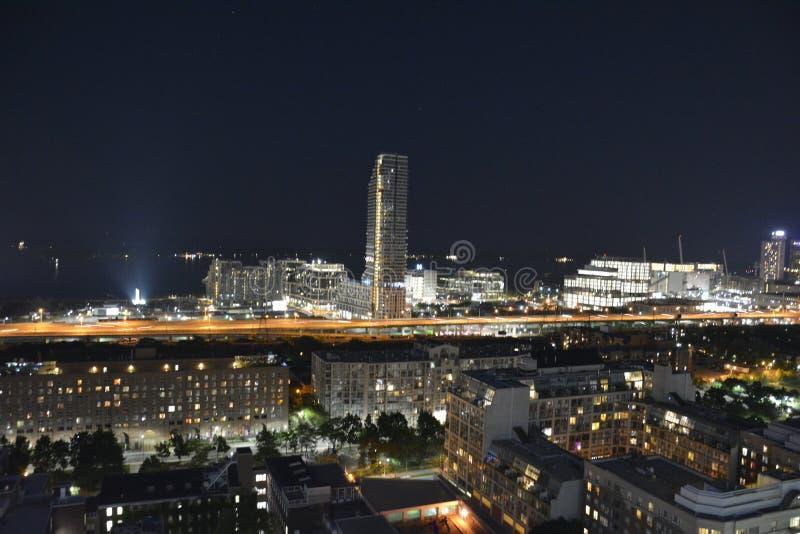 Горизонт Торонто городской в ноче стоковые фотографии rf