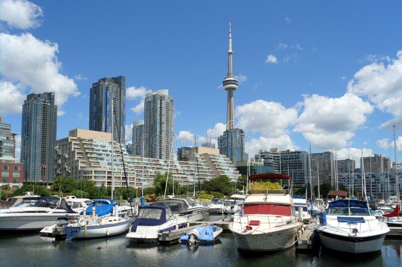 Горизонт Торонто с Мариной стоковые фото