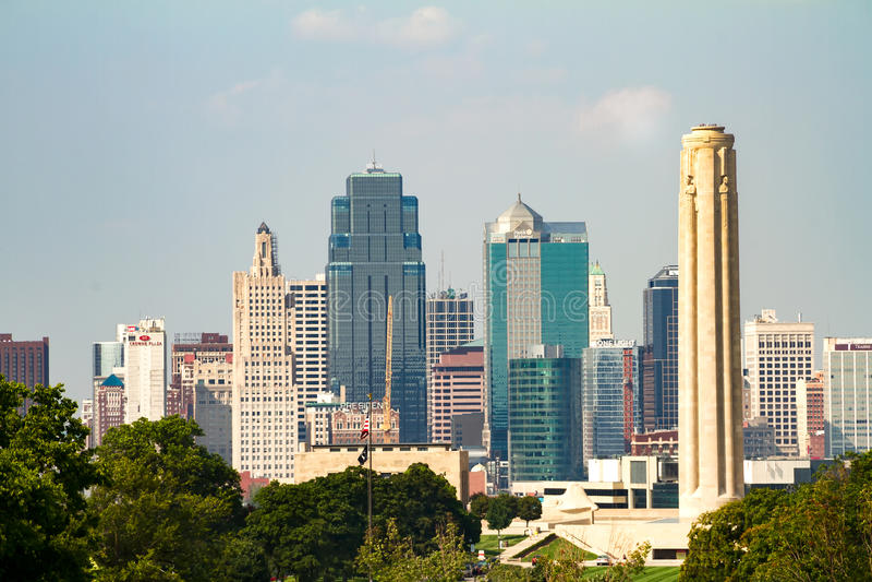 Горизонт Kansas City, Миссури стоковые изображения