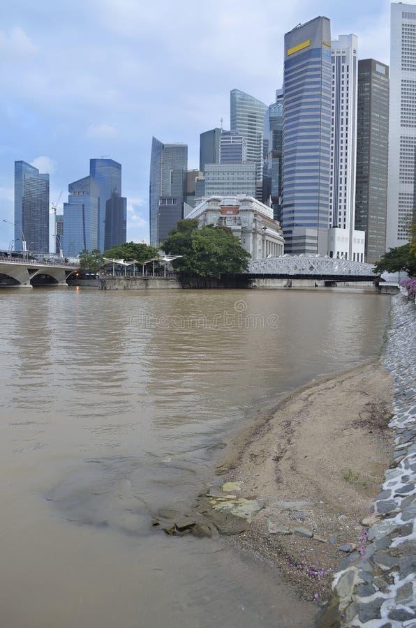 Download горизонт singapore реки стоковое фото. изображение насчитывающей городск - 18379942
