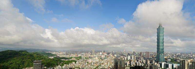 горизонт taipei города стоковая фотография rf