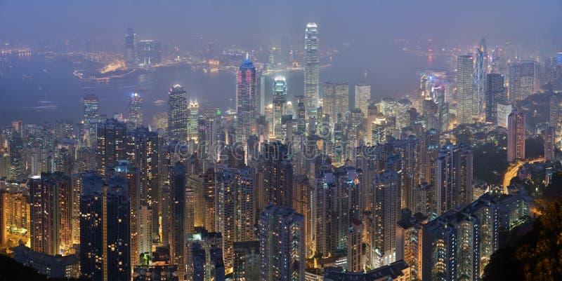 горизонт victoria пика ночи Hong Kong стоковое фото