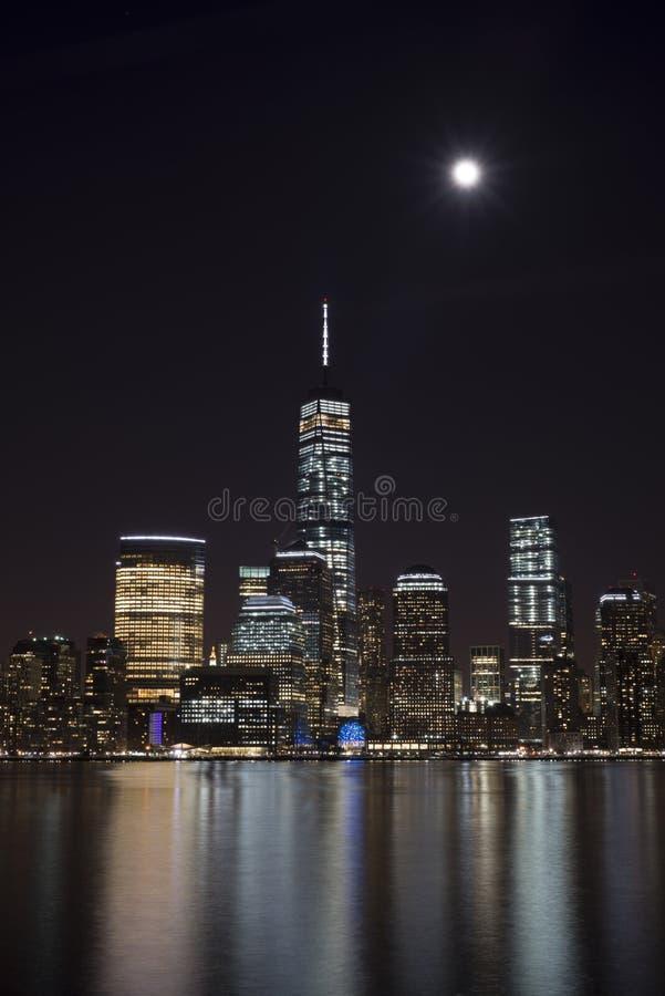 горизонт york ночи manhattan города новый стоковые изображения