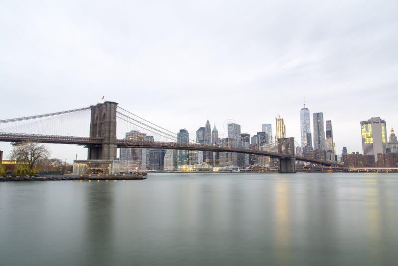 горизонт york brooklyn моста новый стоковое изображение
