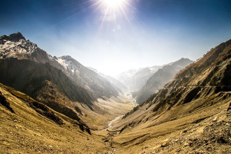 Гористые Landforms, небо, гора, горная цепь Бесплатное  из Общественного Достояния Cc0 Изображение