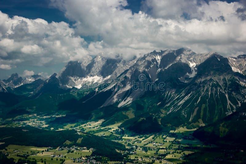 Горная цепь Dachstein стоковое фото