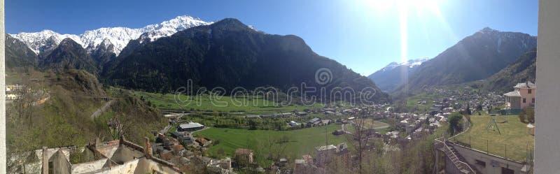 Горные вершины Италии стоковая фотография