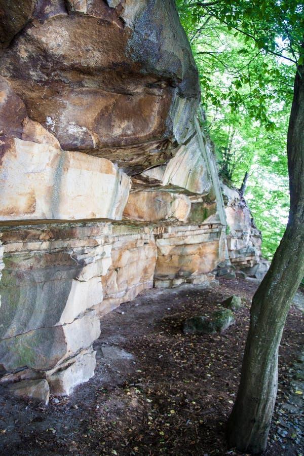 Горные породы в скалистом городе в горах стоковое изображение