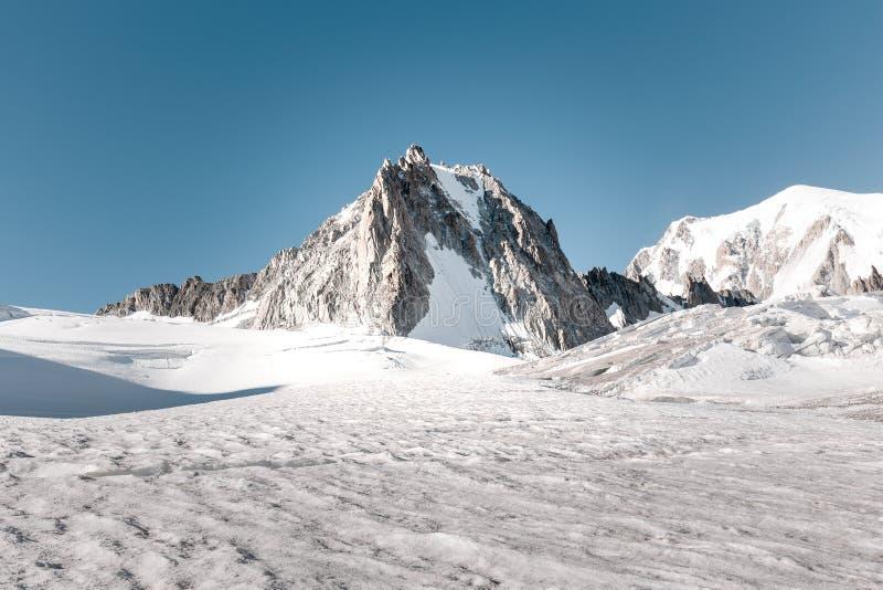 Горный вид Aiguille de Toule стоковая фотография rf