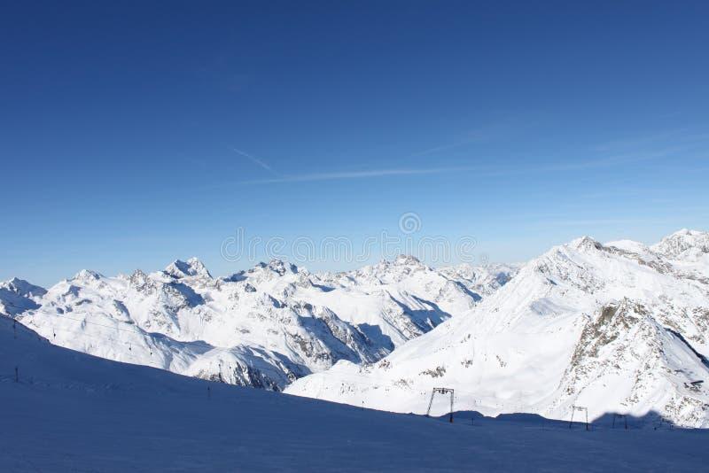 Горный вид в Швейцарии стоковое фото rf