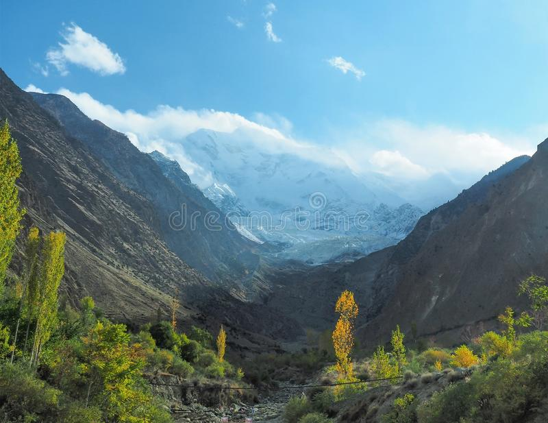 Горный пик ледника Rakaposhi, Nagar, Gilgit†«Baltistan, Пакистан стоковая фотография rf
