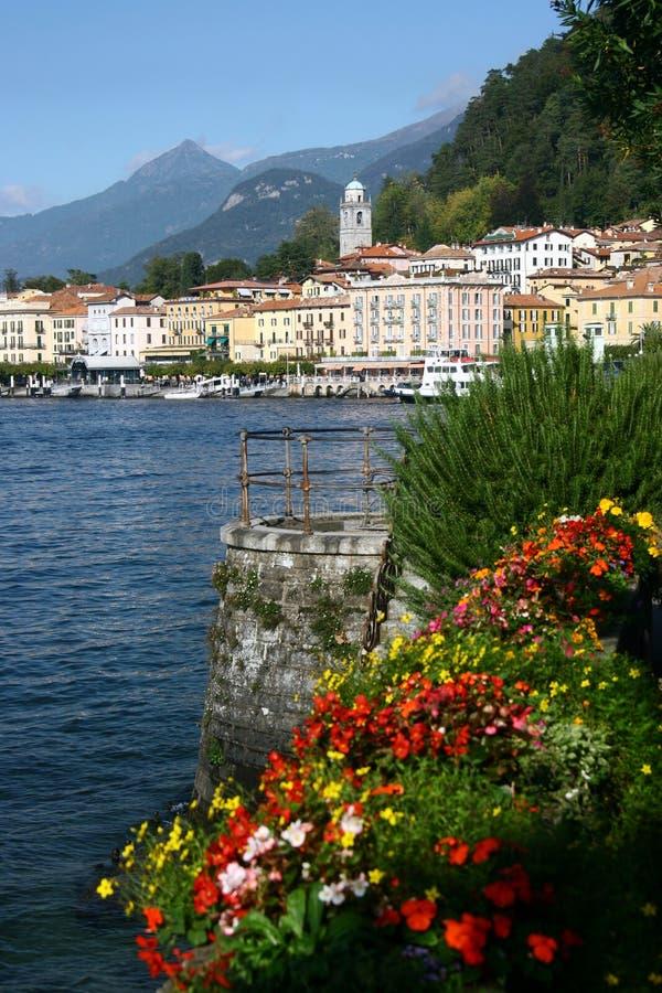 городок итальянского берега озера bellagio рисуночный стоковое фото