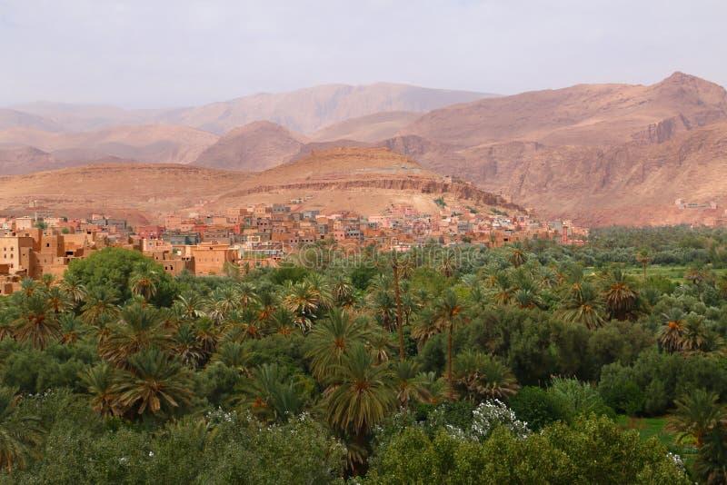 Городок оазиса Tinghir в Марокко стоковые фотографии rf
