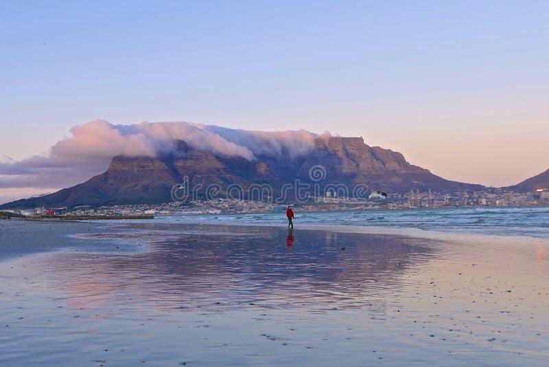 городок таблицы горы плащи-накидк Африки южный стоковое фото rf