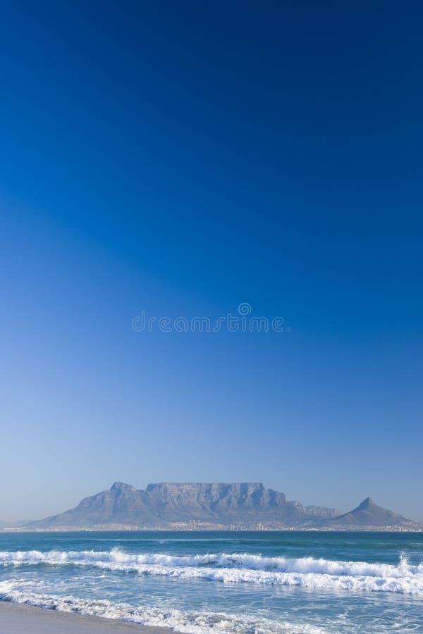 городок таблицы горы плащи-накидк стоковые фото