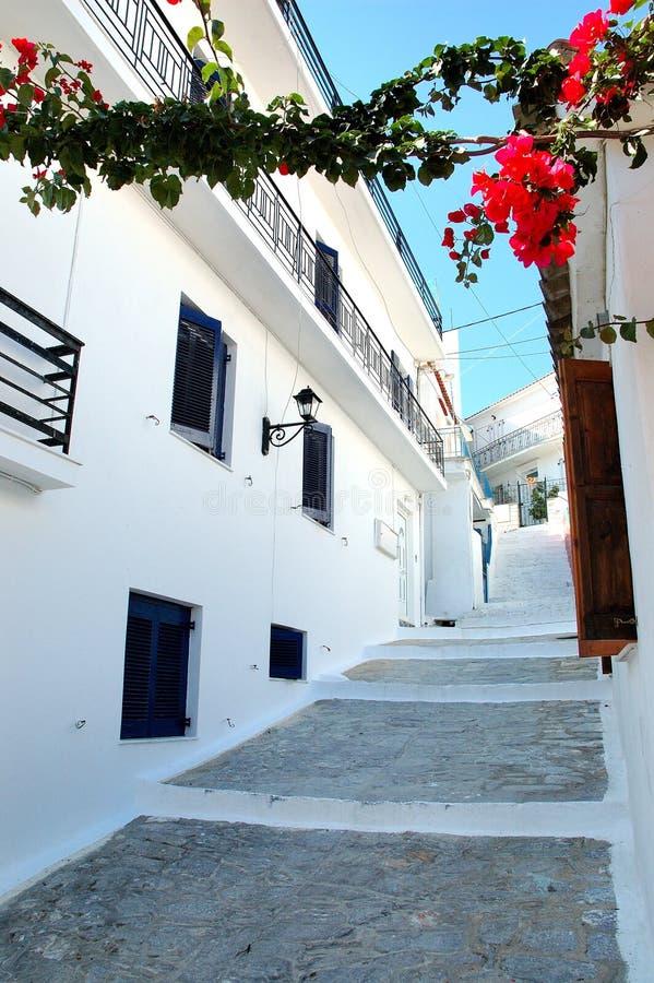 городок улицы skiathos стоковое изображение rf