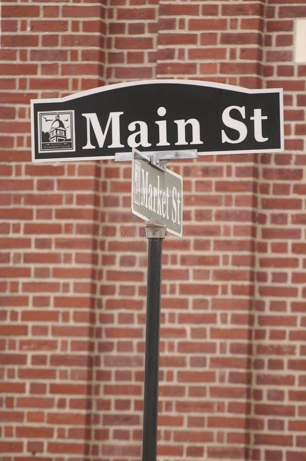 городок улицы st главным образом знака америки малый стоковая фотография rf