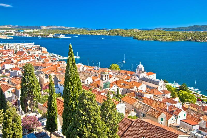 Городок ЮНЕСКО портового района Sibenik исторического стоковые фотографии rf