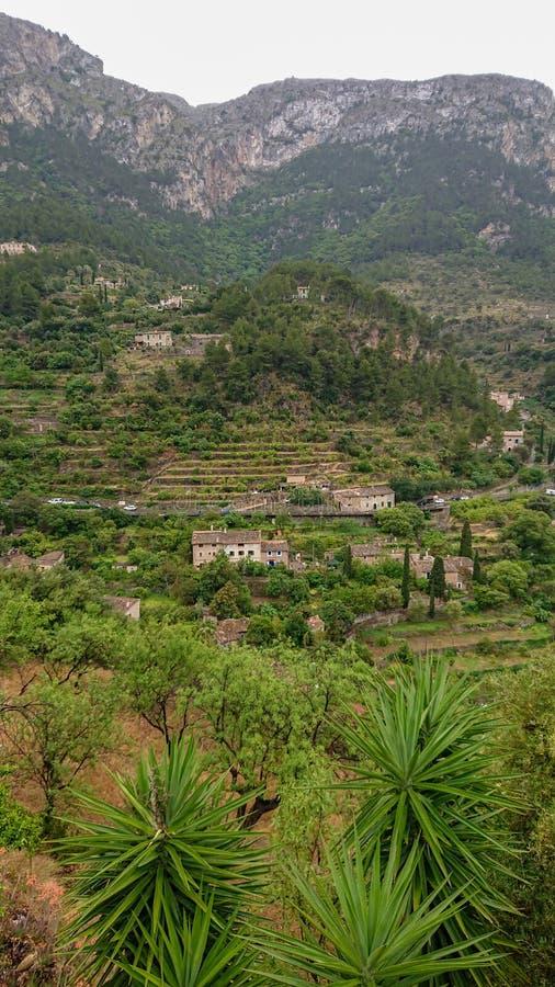 Городок Deià в острове Мальорка, Испании стоковые изображения rf