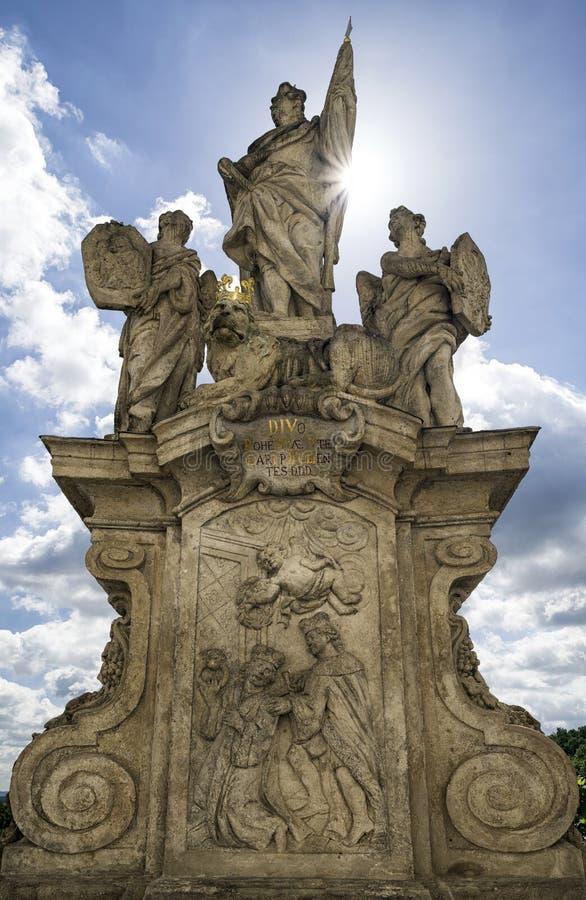 Городок Kutna Hora onn статуи, чехия стоковое фото