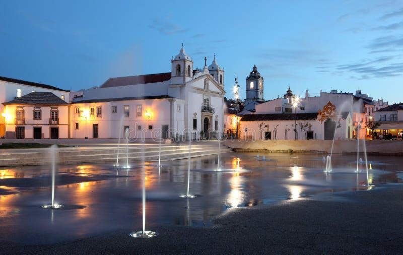 городок lagos Португалии сумрака квадратный стоковая фотография