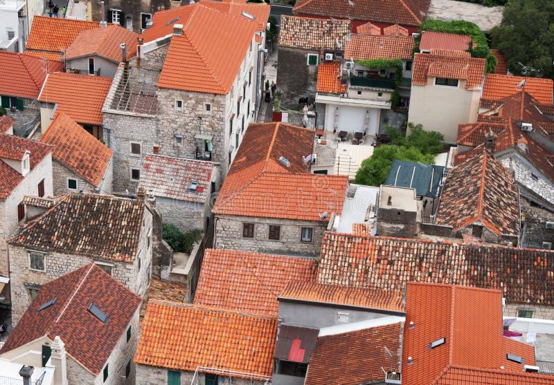 Городок Omis в Хорватии стоковые изображения