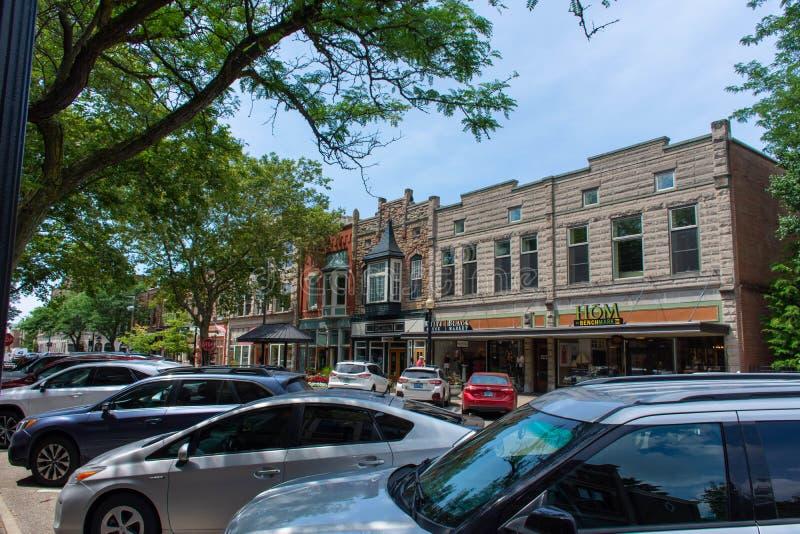 Городская Голландия туристский, винтажный, старый выглядя голландский городок в западном Мичигане на солнечный летний день стоковые изображения
