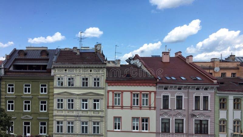Городская жизнь древнего города Львова стоковые фото