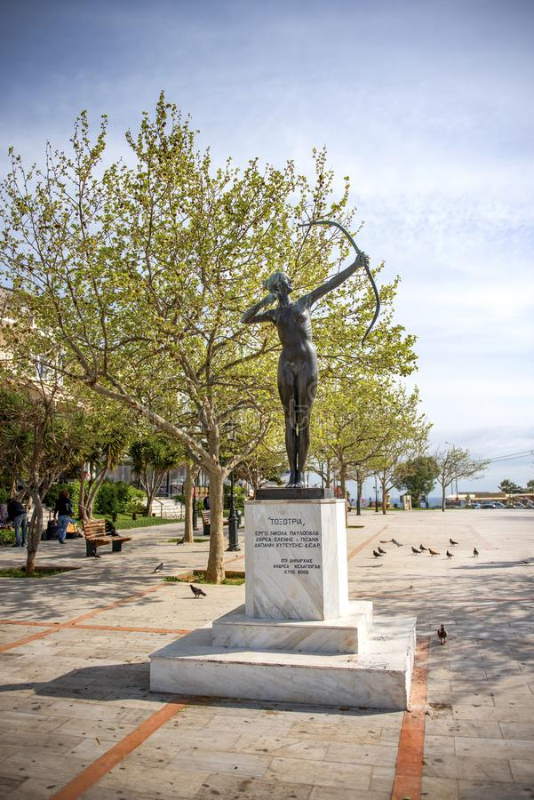Городская площадь и улицы в порту Рафина, Греция стоковые фото