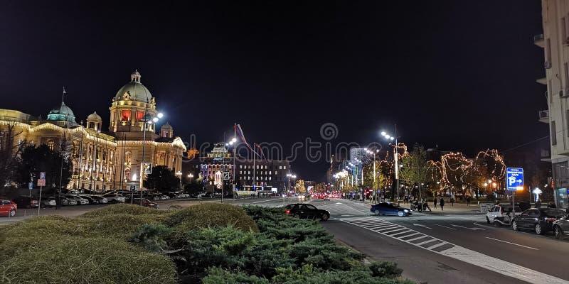Городская ратуша Белграда к ночь стоковая фотография