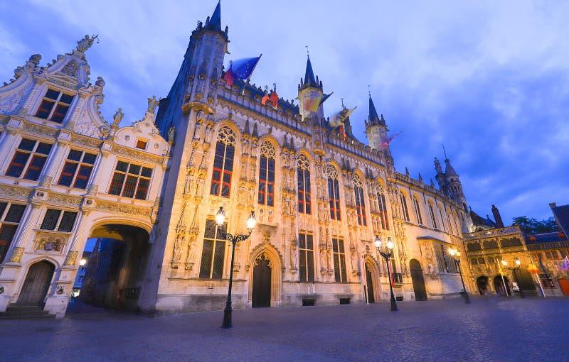 Городская ратуша Брюгге на квадрате Burg Брюгге, фламандский регион, Бельгия стоковые фотографии rf