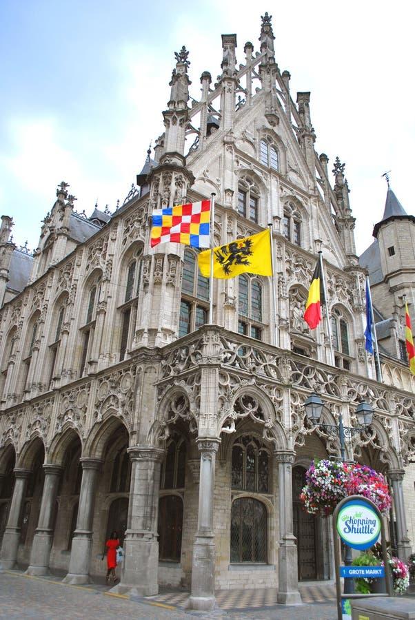 Городская ратуша Mechelen в историческом центре города в Mechelen стоковые изображения