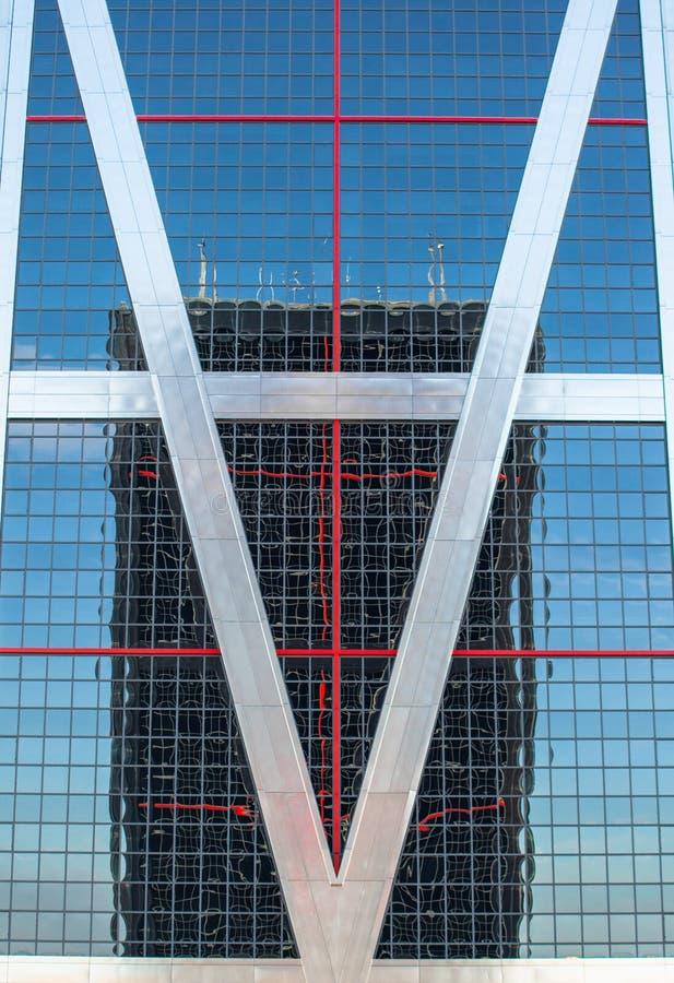 Городские отражения в зданиях Абстрактные изображения путем деформировать mirrorsabstra стоковые изображения