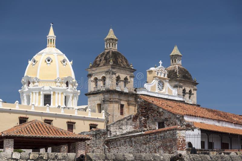 Городские стены и городок cartagena Колумбия зданий старый стоковые фото