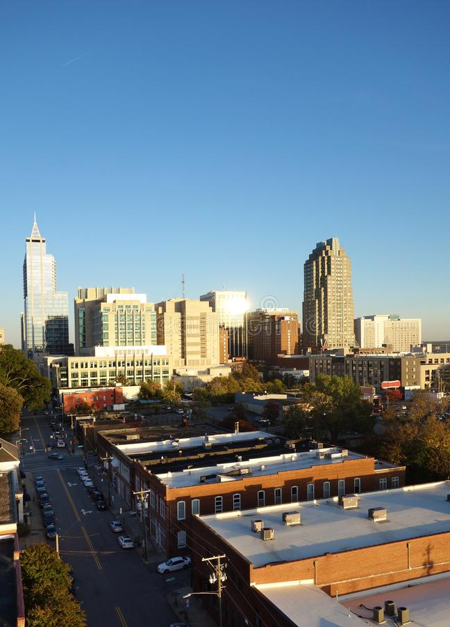 Городской горизонт Raleigh NC стоковые изображения rf