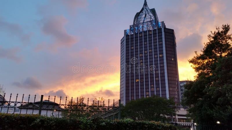 городской заход солнца стоковая фотография rf