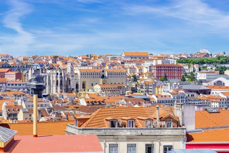 Городской пейзаж Лиссабона, взгляд старого городка Alfama, Португалии, панорамы стоковые изображения