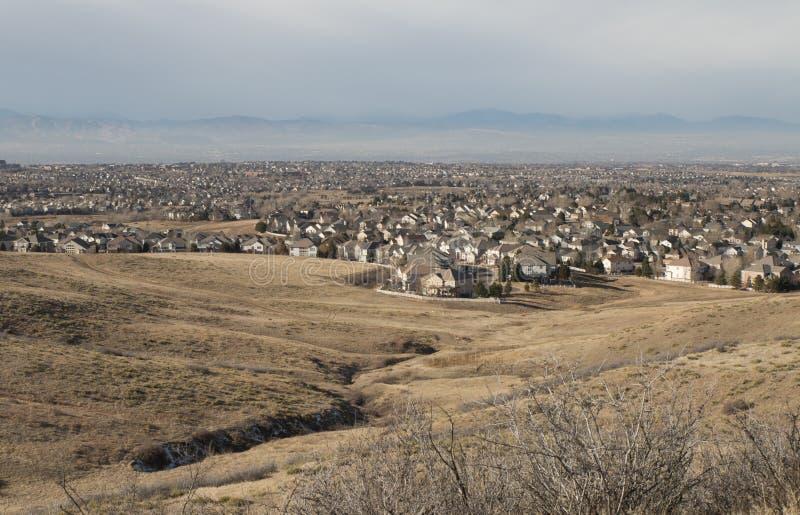 Городской пейзаж от блефов регионального парка, Douglas County, Колорадо стоковое изображение rf