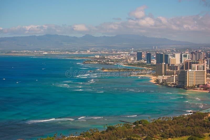 Городской пейзаж пляжа и Гонолулу Waikiki стоковая фотография