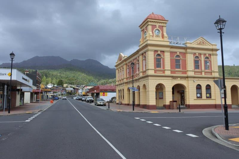 Городской пейзаж Queenstown Тасмании Австралии стоковое фото