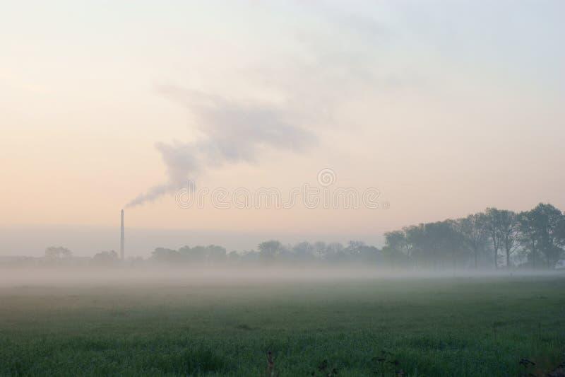 городской туман висит утро сверх стоковое изображение