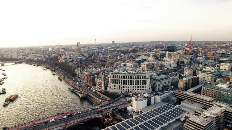 Город вида с воздуха Лондона и моста Blackfriars стоковое изображение