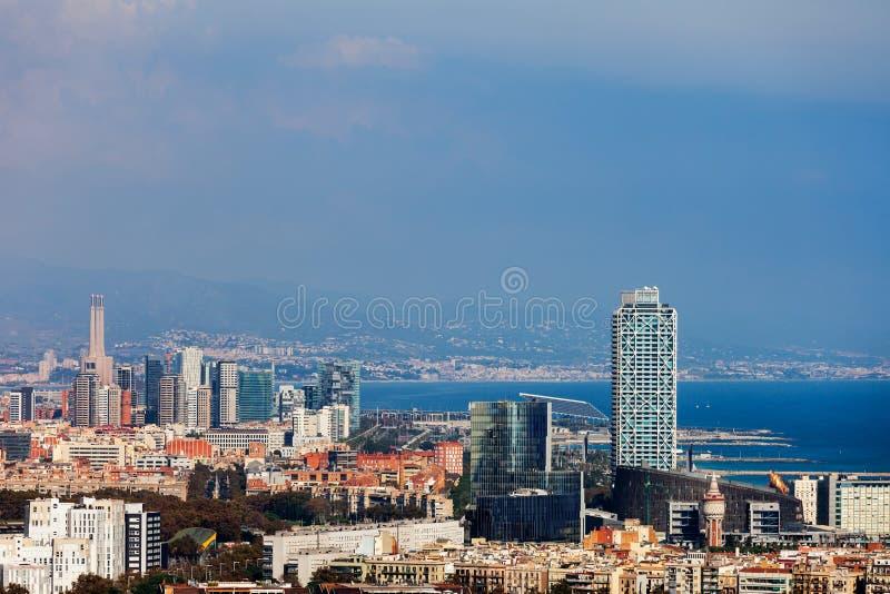 Город городского пейзажа вида с воздуха Барселоны стоковое изображение