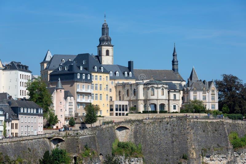 Город Люксембурга, вид с воздуха старого городка и Grund стоковое фото