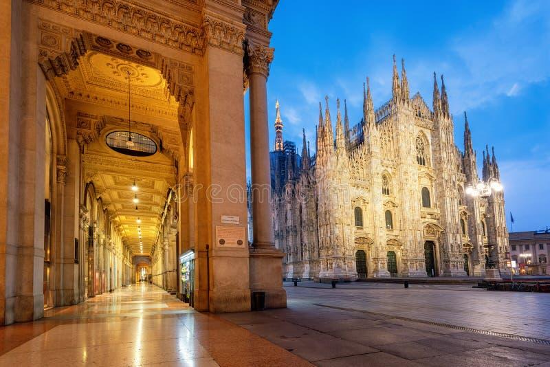 Город Милана, собор Duomo и Galleria Vittorio Emanuele II, Италия стоковое изображение