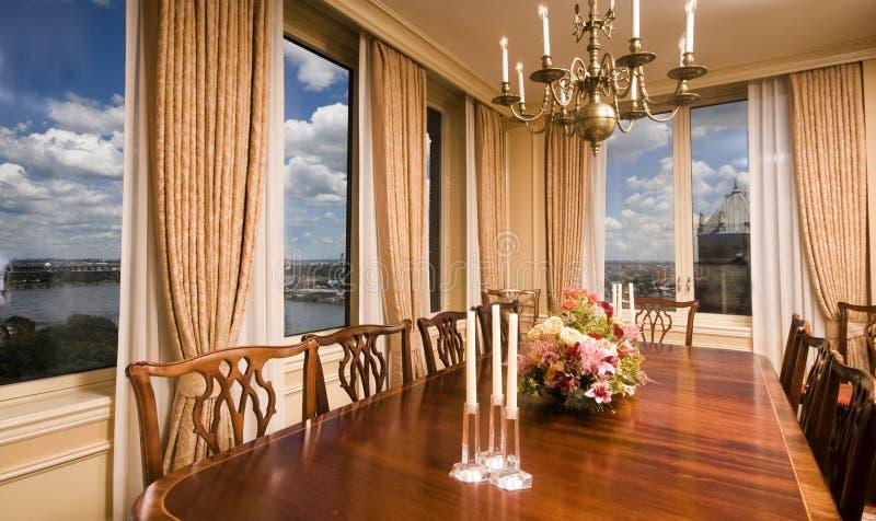 город обедая новый взгляд york комнаты пентхауса стоковые фото