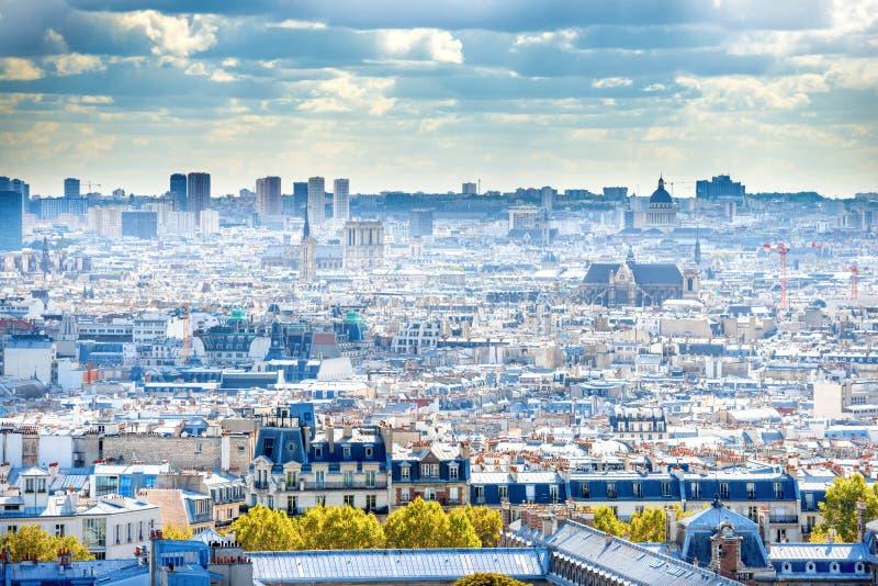 Город панорамы Парижа от Montmartre стоковое фото